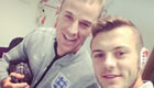 Photo: Jack Wilshere and Joe Hart prepare for England training